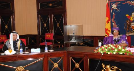 28 February 2013, Lilongwe, Sheikh Said Bin Saqirbin Muhammed Al-Qasimi, Member of the Supreme Council and Ruler of Rasai of the United Arab Emirates met with Malawi's President Joyce Banda (Credit: Mana Online)