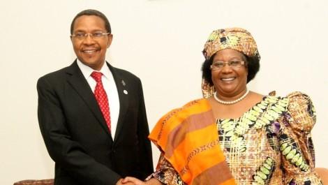 The presidents of Tanzania (Jakaya Kikwete) and Malawi (Joyce Banda)