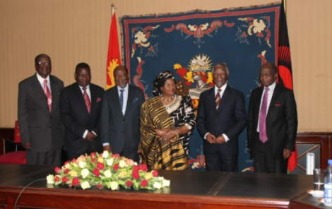 Left to Right: Joseph Kubwalo, George Chaponda, Joaquim Chissano, Joyce Banda, Thabo Mbeki and John Tembo (courtesy of MANA, Lisa Vintulla)