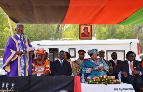 Paramount Chief Kyungu of Karonga asks President Joyce Banda to ensuring communities benefit from mines (Courtesy of Nyasa Times)