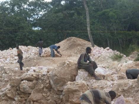 Small Scale Mining in Mzimba, Malawi. Image Courtesy of Chikomeni Manda